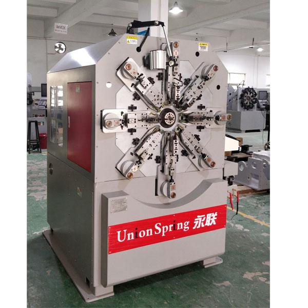 弹簧机控制系统特点